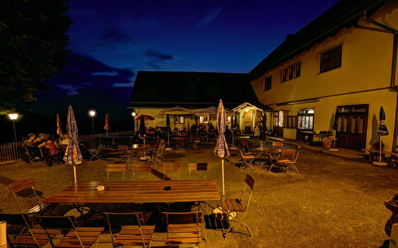 Biergarten Laue Sommernacht Gasthof Bauernhannla