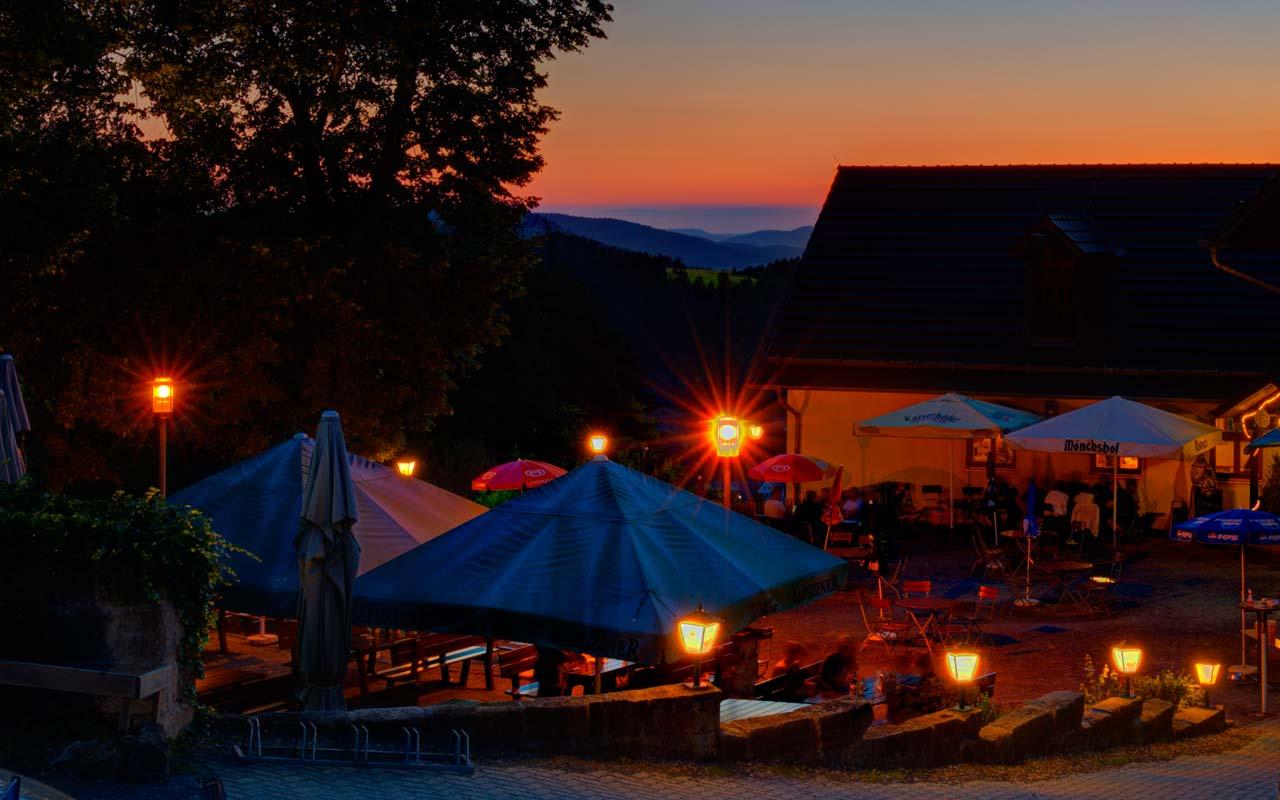 Biergarten Abend(b)rot Gasthof Bauernhannla