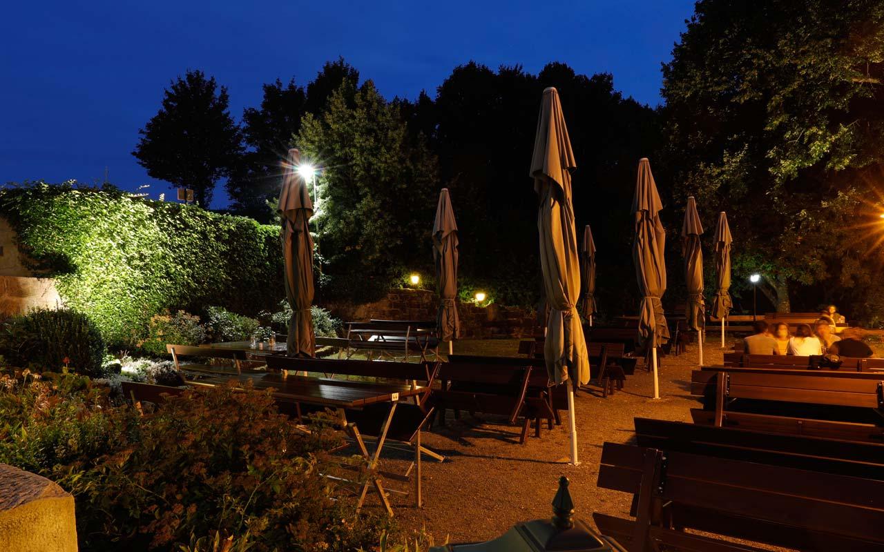 Biergarten Sommerbeleuchtung Gasthof Bauernhannla