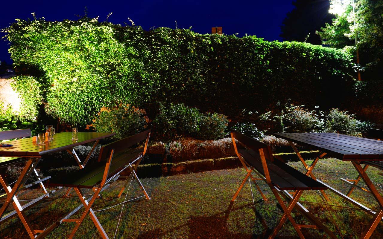 Biergarten Steinmauer Bei Nacht Gasthof Bauernhannla