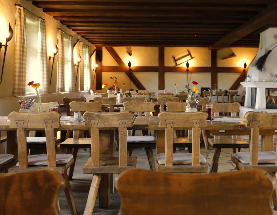 Großer Gastraum Gasthof Bauernhannla